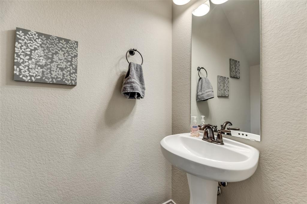 1016 Skyview  Court, Midlothian, Texas 76065 - acquisto real estate best listing photos hannah ewing mckinney real estate expert