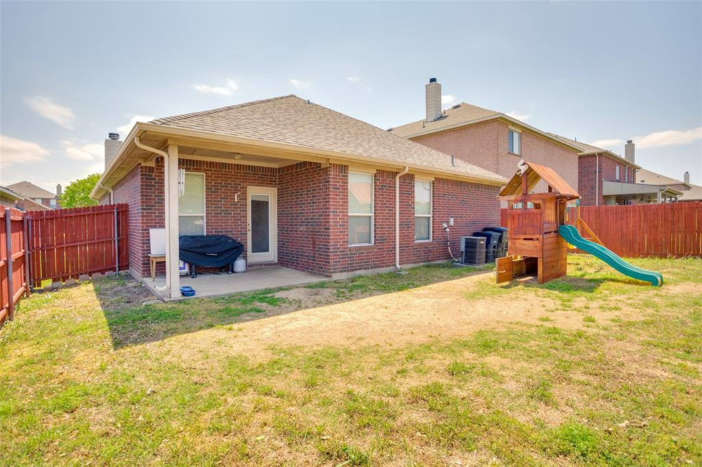 2325 Clairborne  Drive, Fort Worth, Texas 76177 - acquisto real estate best prosper realtor susan cancemi windfarms realtor