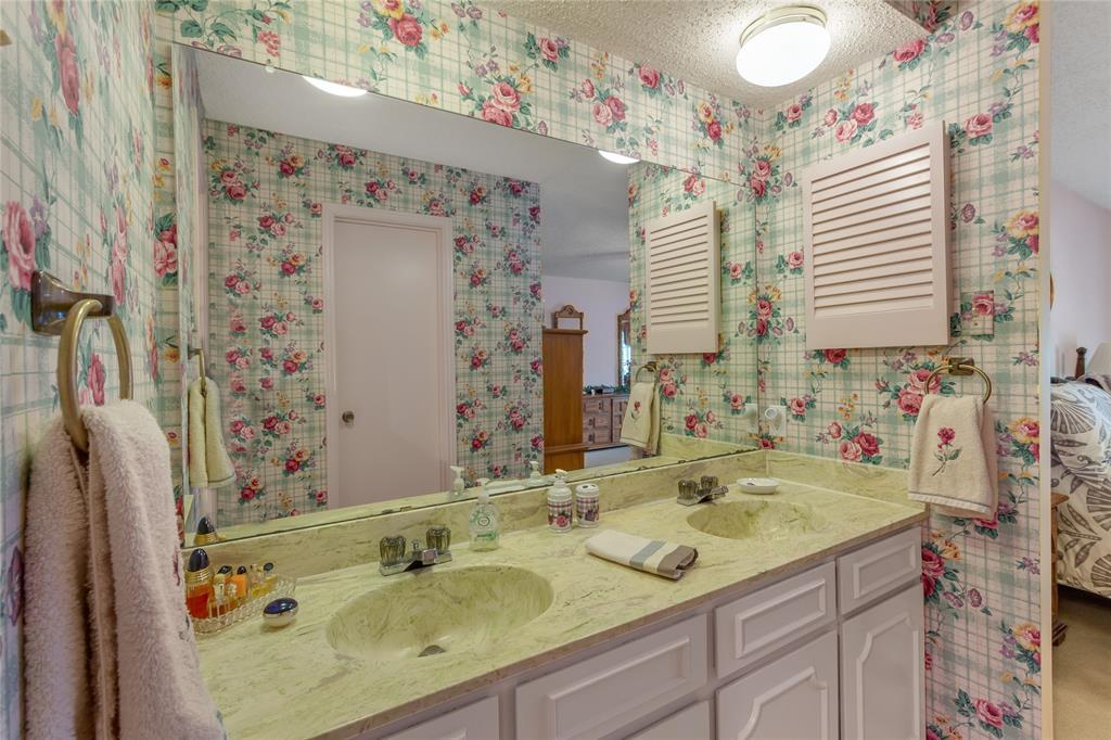 5925 Copperwood  Lane, Dallas, Texas 75248 - acquisto real estate best listing agent in the nation shana acquisto estate realtor