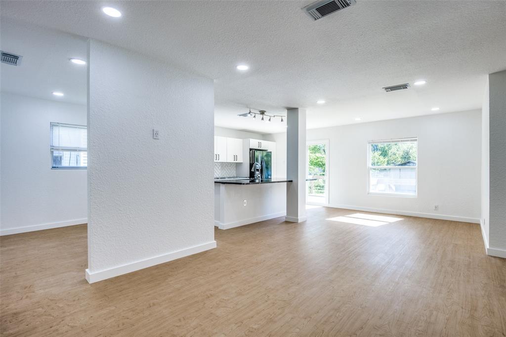 1434 Oak Cliff  Boulevard, Dallas, Texas 75208 - acquisto real estate best highland park realtor amy gasperini fast real estate service