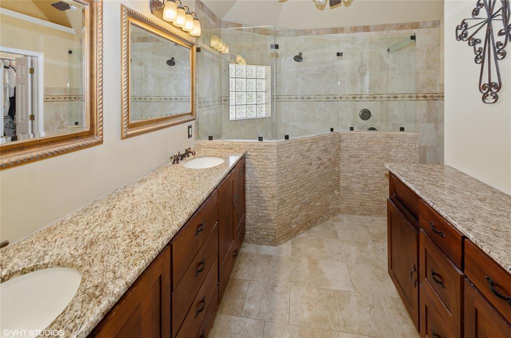926 Holly Hills  Court, Keller, Texas 76248 - acquisto real estate best new home sales realtor linda miller executor real estate