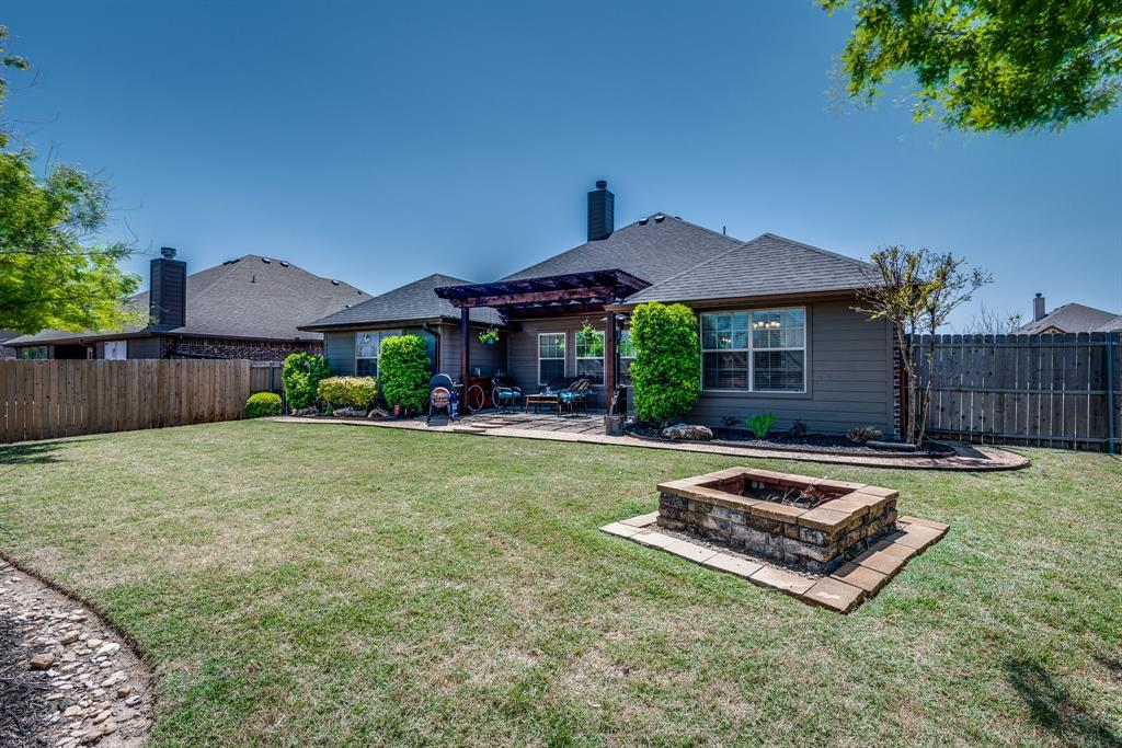 127 Sumac  Drive, Waxahachie, Texas 75165 - acquisto real estate best plano real estate agent mike shepherd