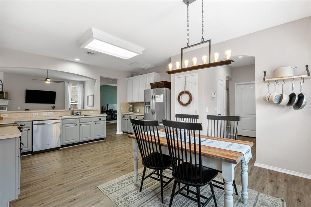 1726 Oak Brook  Lane, Allen, Texas 75002 - acquisto real estate best new home sales realtor linda miller executor real estate