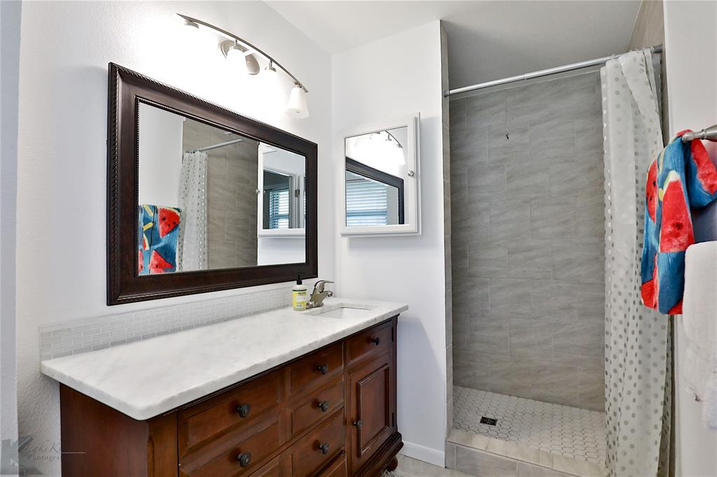 2215 Oakwood  Lane, Abilene, Texas 79605 - acquisto real estate best frisco real estate broker in texas for high net worth buyers
