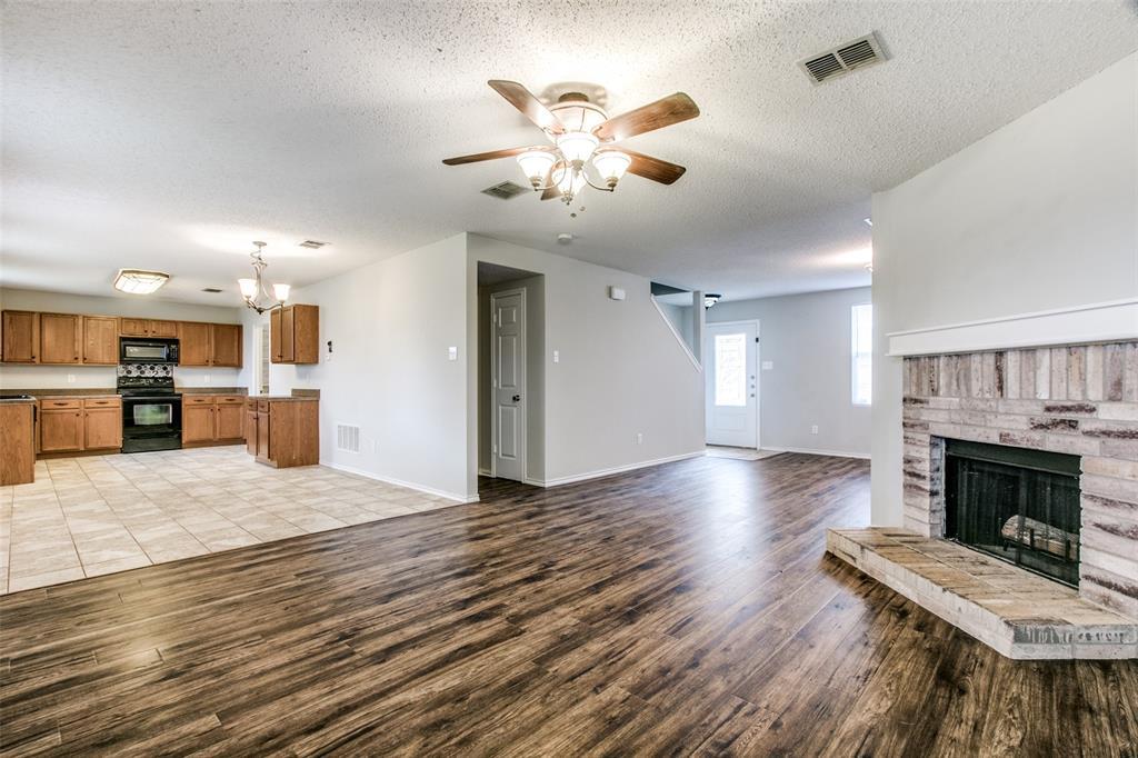1724 Rialto  Way, Fort Worth, Texas 76247 - acquisto real estate best highland park realtor amy gasperini fast real estate service