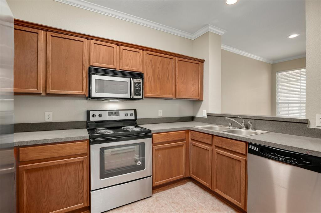 2214 Glacier Park  Lane, Grand Prairie, Texas 75050 - acquisto real estate best listing listing agent in texas shana acquisto rich person realtor