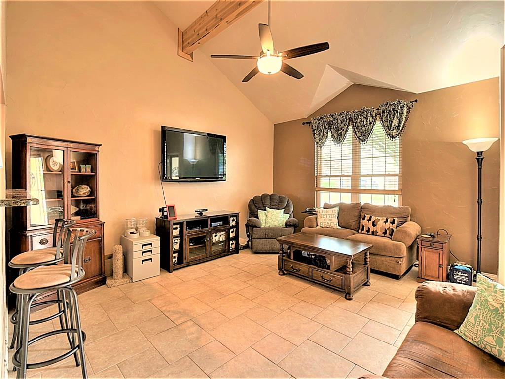 616 Creekview  Drive, Burleson, Texas 76028 - acquisto real estate best celina realtor logan lawrence best dressed realtor