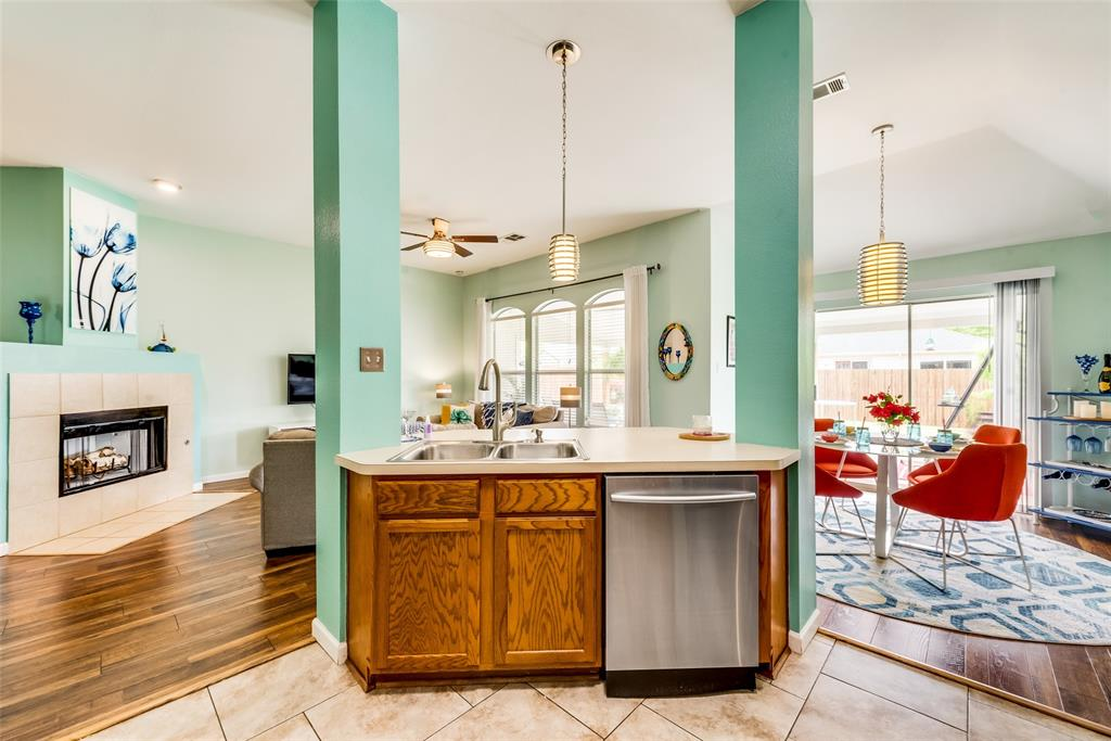 2608 Hilcroft  Avenue, Denton, Texas 76210 - acquisto real estate best flower mound realtor jody daley lake highalands agent of the year