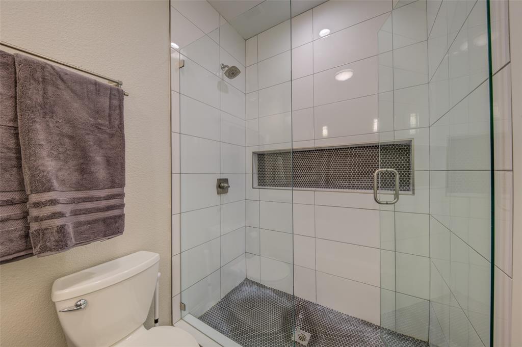 610 Clinton  Avenue, Dallas, Texas 75208 - acquisto real estate best photo company frisco 3d listings