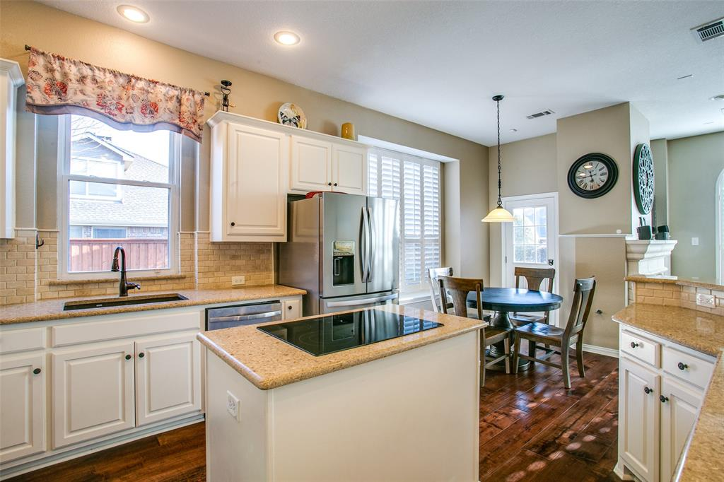 927 Hidden Hollow  Court, Coppell, Texas 75019 - acquisto real estate best real estate company to work for