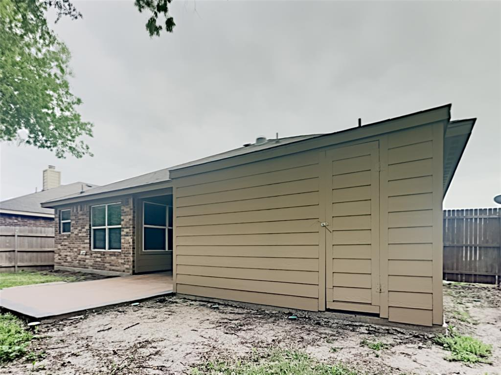 648 Clearbrook  Street, Azle, Texas 76020 - acquisto real estate best new home sales realtor linda miller executor real estate