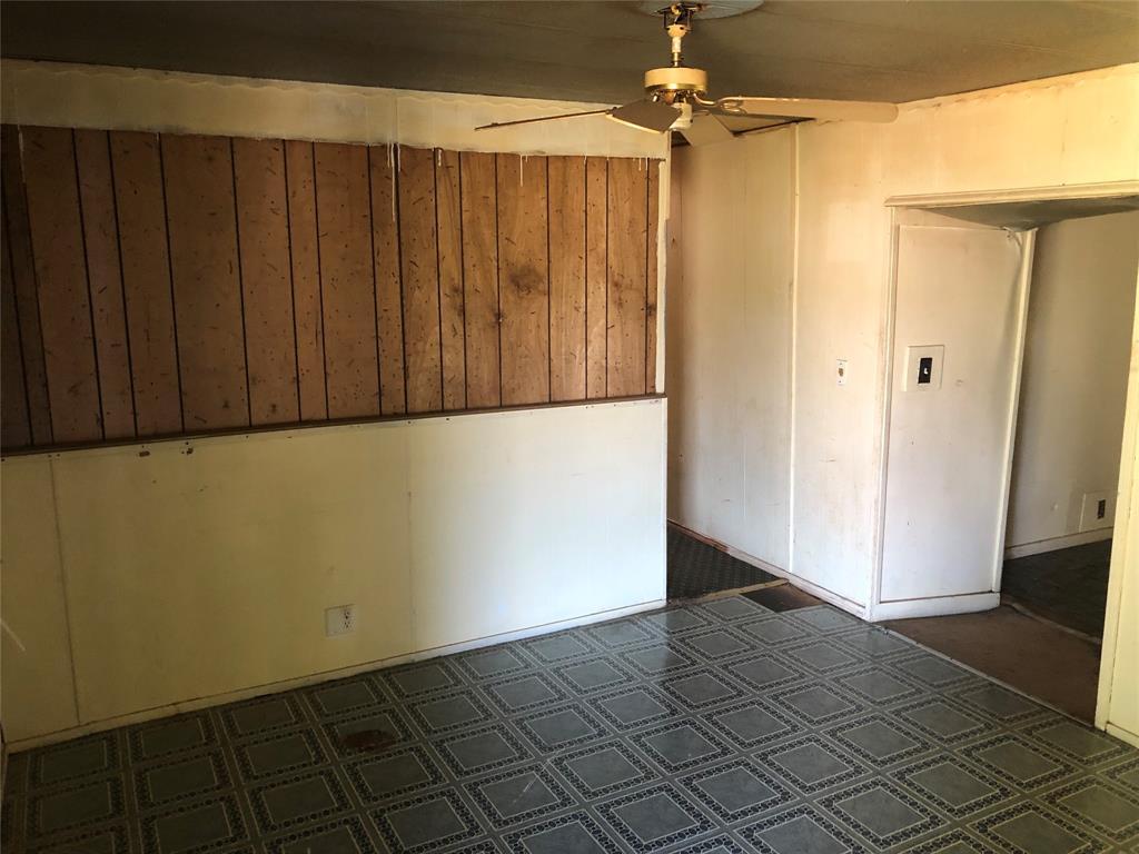 1402 Scarbrough  Street, Buffalo Gap, Texas 79508 - Acquisto Real Estate best frisco realtor Amy Gasperini 1031 exchange expert