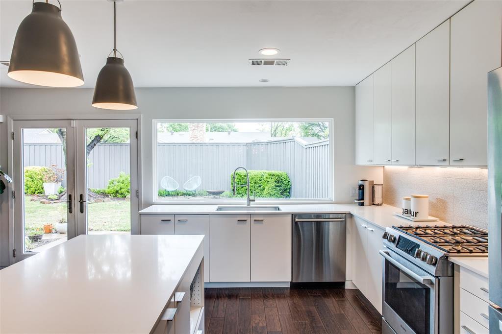 6626 Leameadow  Drive, Dallas, Texas 75248 - acquisto real estate best new home sales realtor linda miller executor real estate