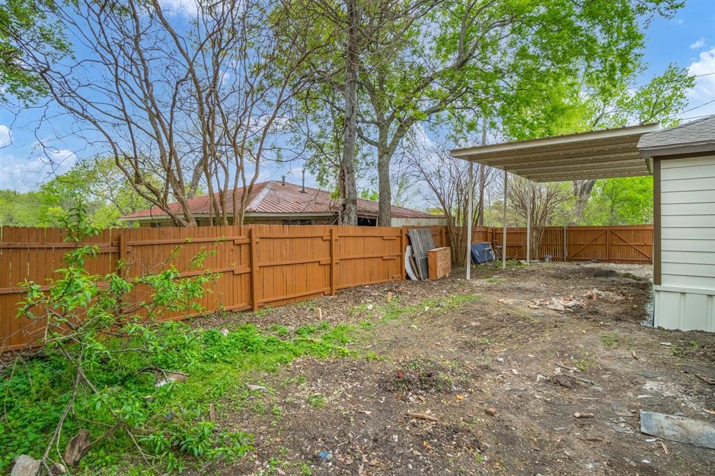 208 Elm  Street, Kemp, Texas 75143 - acquisto real estate best realtor foreclosure real estate mike shepeherd walnut grove realtor