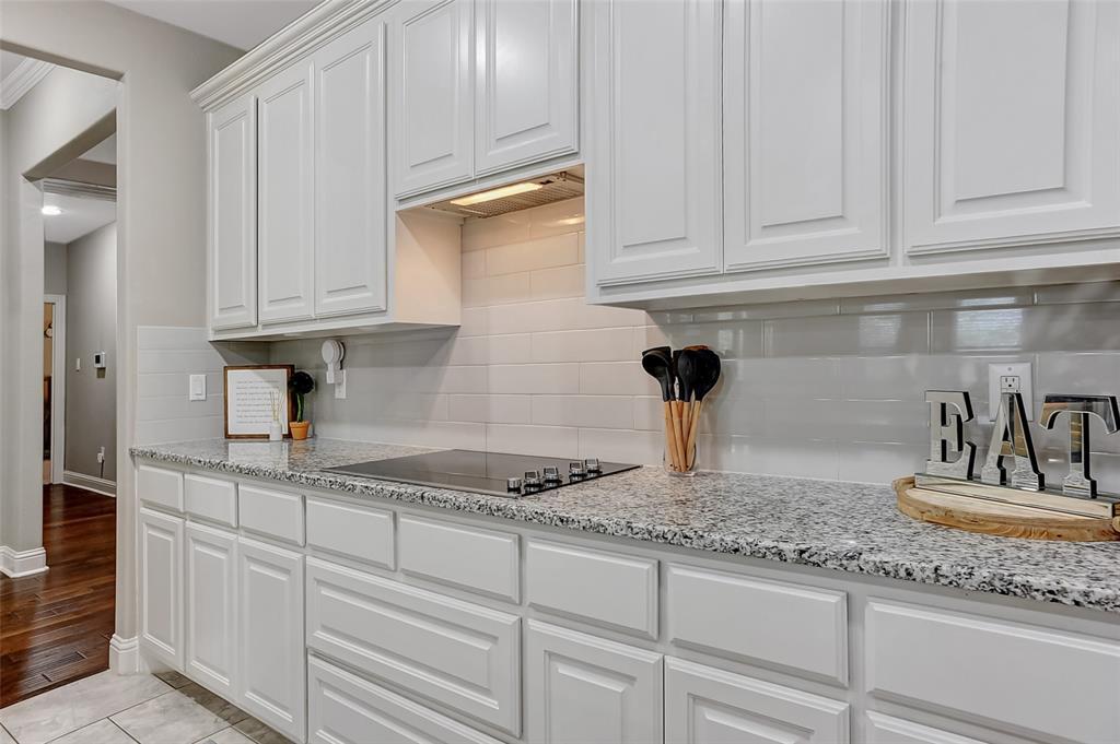 3401 Preston Club  Drive, Sherman, Texas 75092 - acquisto real estate best designer and realtor hannah ewing kind realtor