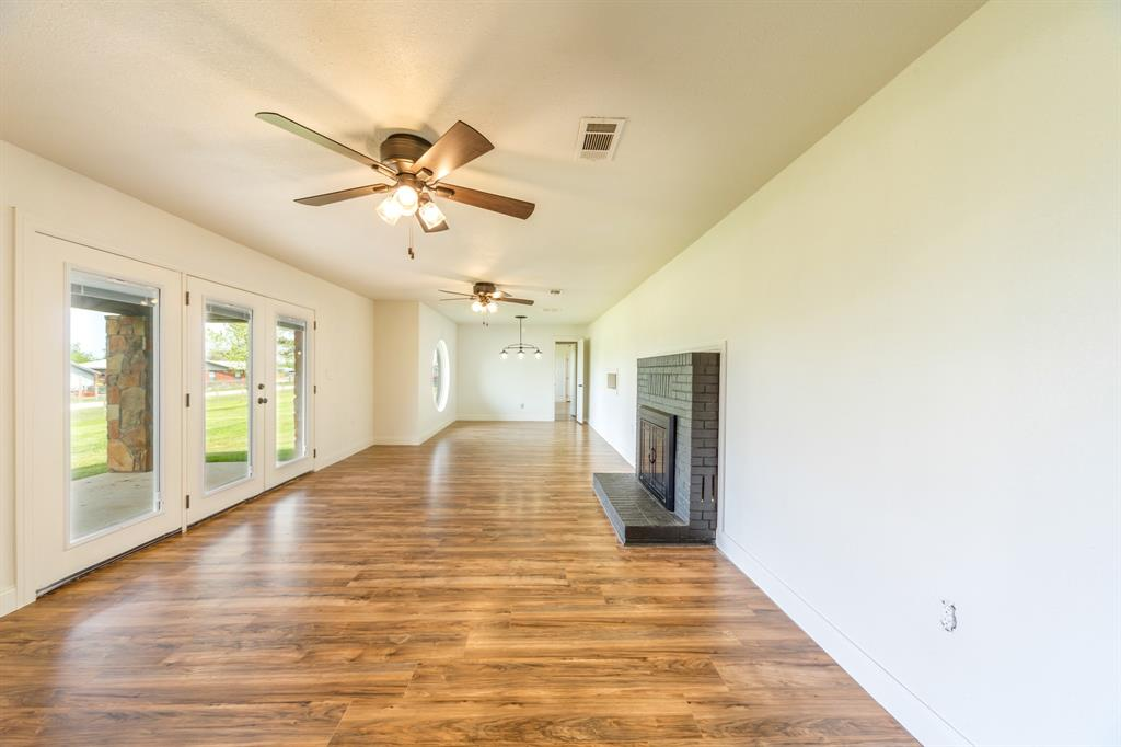 138 Silver  Street, Bowie, Texas 76230 - acquisto real estaet best boutique real estate firm in texas for high net worth sellers