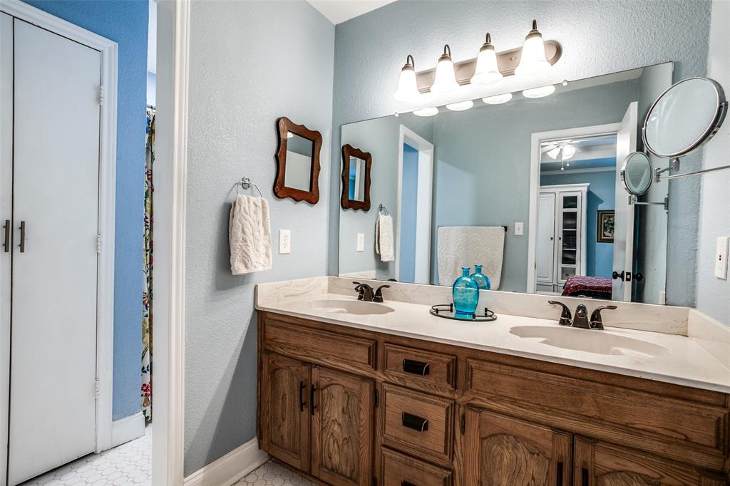 106 Forest  Lane, McKinney, Texas 75069 - acquisto real estate best investor home specialist mike shepherd relocation expert