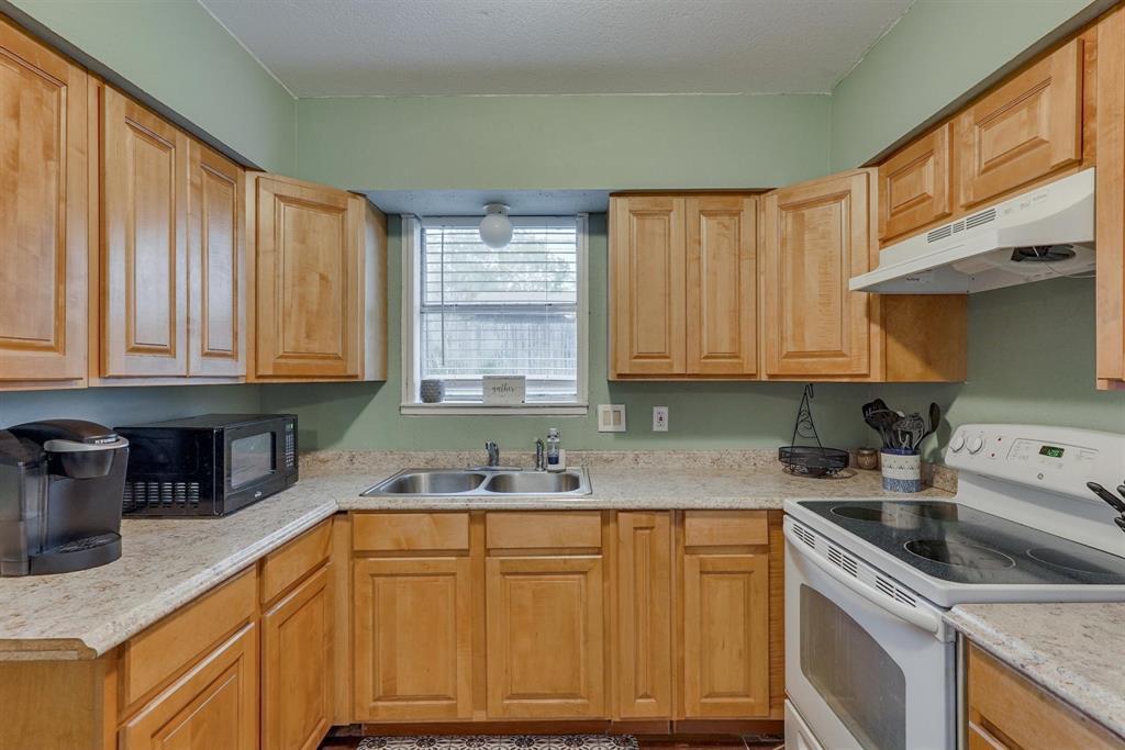 6529 Wooddale  Drive, Watauga, Texas 76148 - acquisto real estate best celina realtor logan lawrence best dressed realtor