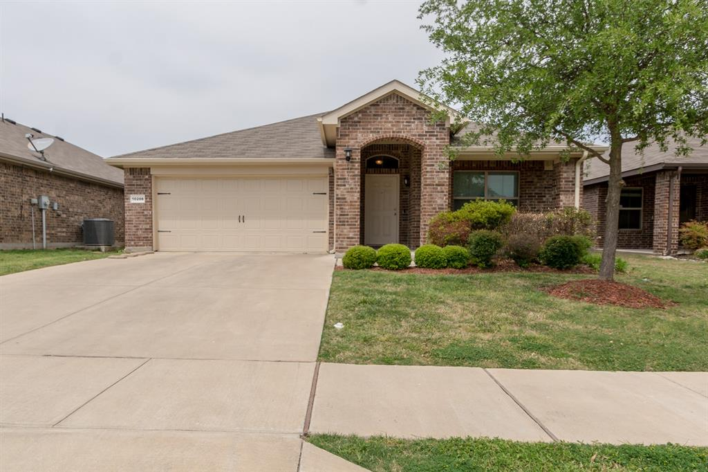 10208 Almondtree  Drive, Fort Worth, Texas 76140 - Acquisto Real Estate best plano realtor mike Shepherd home owners association expert