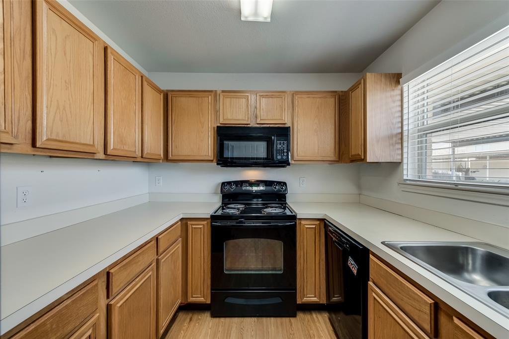 27 Mountain Creek  Court, Grand Prairie, Texas 75052 - acquisto real estate best highland park realtor amy gasperini fast real estate service