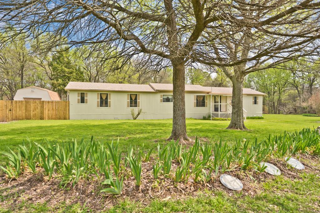 1027 Glen Brook  Drive, Pecan Hill, Texas 75165 - Acquisto Real Estate best frisco realtor Amy Gasperini 1031 exchange expert