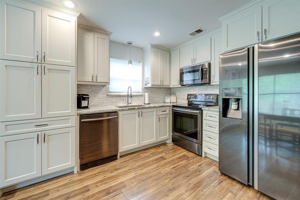 7800 Pebblebrook  Drive, Watauga, Texas 76148 - acquisto real estate best prosper realtor susan cancemi windfarms realtor