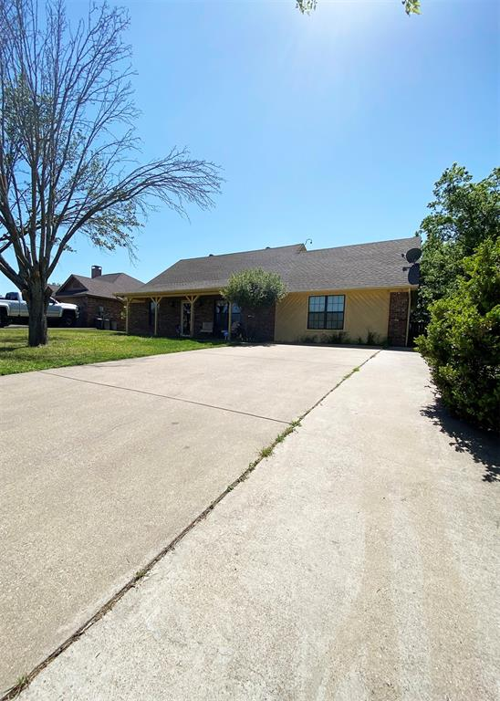 805 Elm  Street, Ennis, Texas 75119 - acquisto real estate best realtor westlake susan cancemi kind realtor of the year