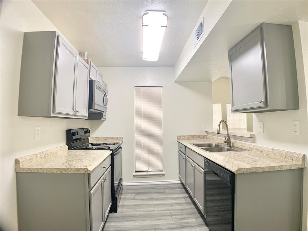 312 Navarro  Lane, Grand Prairie, Texas 75052 - acquisto real estate best celina realtor logan lawrence best dressed realtor