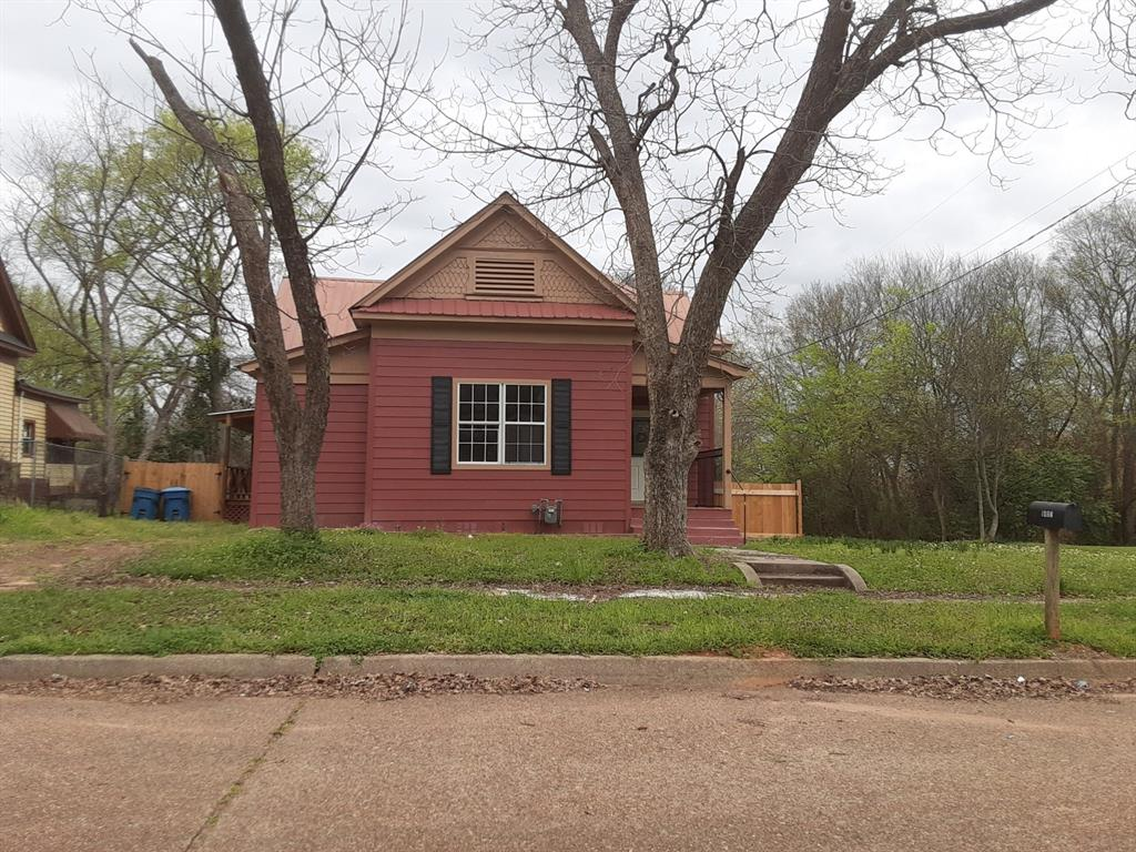 1407 Fannin  Street, Marshall, Texas 75670 - Acquisto Real Estate best plano realtor mike Shepherd home owners association expert