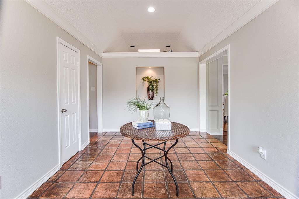 6909 Battle Creek  Road, Fort Worth, Texas 76116 - acquisto real estate best celina realtor logan lawrence best dressed realtor