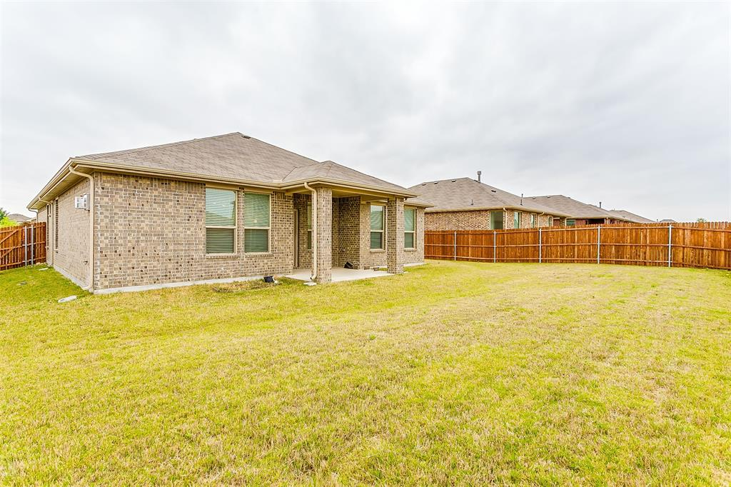 568 Pendennis  Drive, Saginaw, Texas 76131 - acquisto real estate best park cities realtor kim miller best staging agent