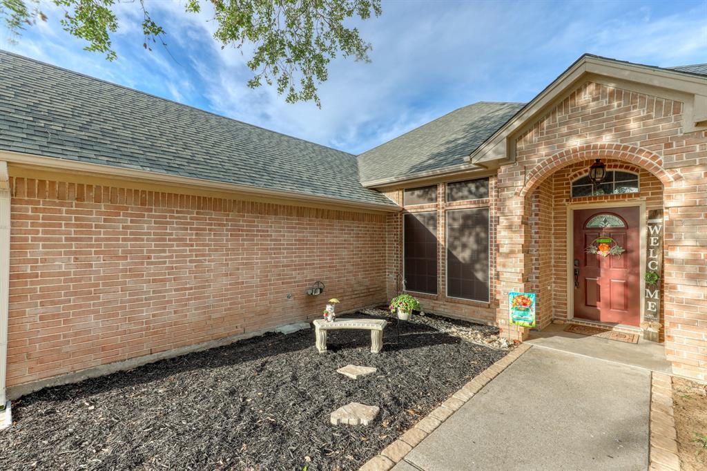 1029 Calinco  Drive, Granbury, Texas 76048 - acquisto real estate best celina realtor logan lawrence best dressed realtor