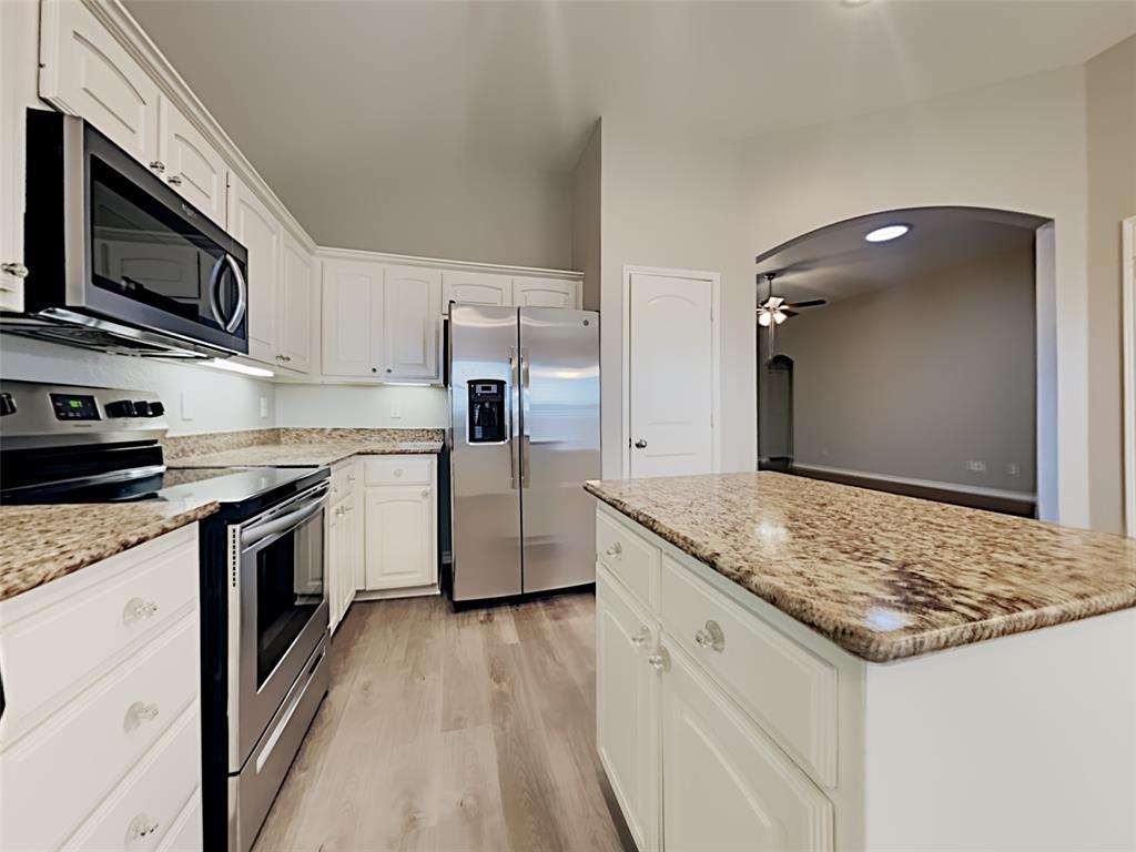 648 Clearbrook  Street, Azle, Texas 76020 - acquisto real estate best prosper realtor susan cancemi windfarms realtor