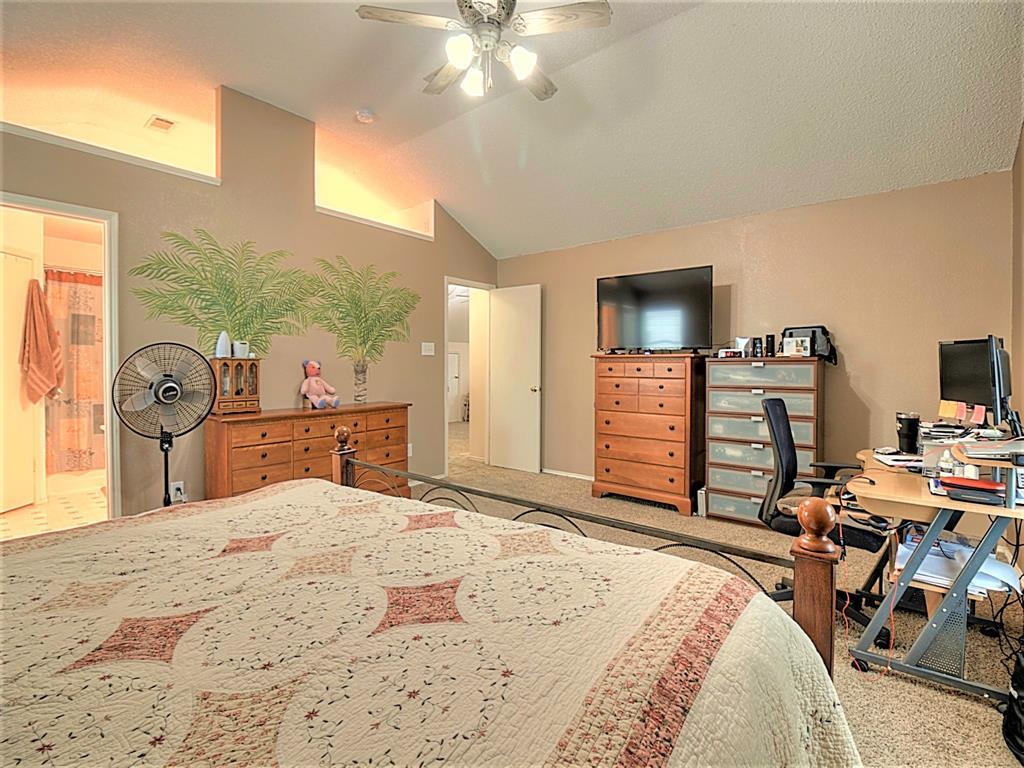 616 Creekview  Drive, Burleson, Texas 76028 - acquisto real estate best negotiating realtor linda miller declutter realtor