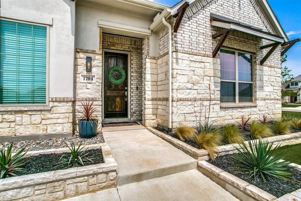 1704 Bellinger  Drive, Fort Worth, Texas 76052 - acquisto real estate best the colony realtor linda miller the bridges real estate