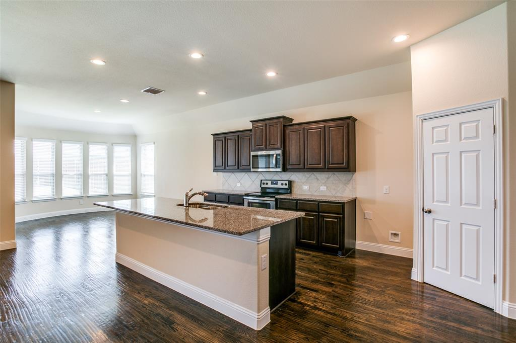 275 Ovaletta  Drive, Justin, Texas 76247 - acquisto real estate best real estate company to work for