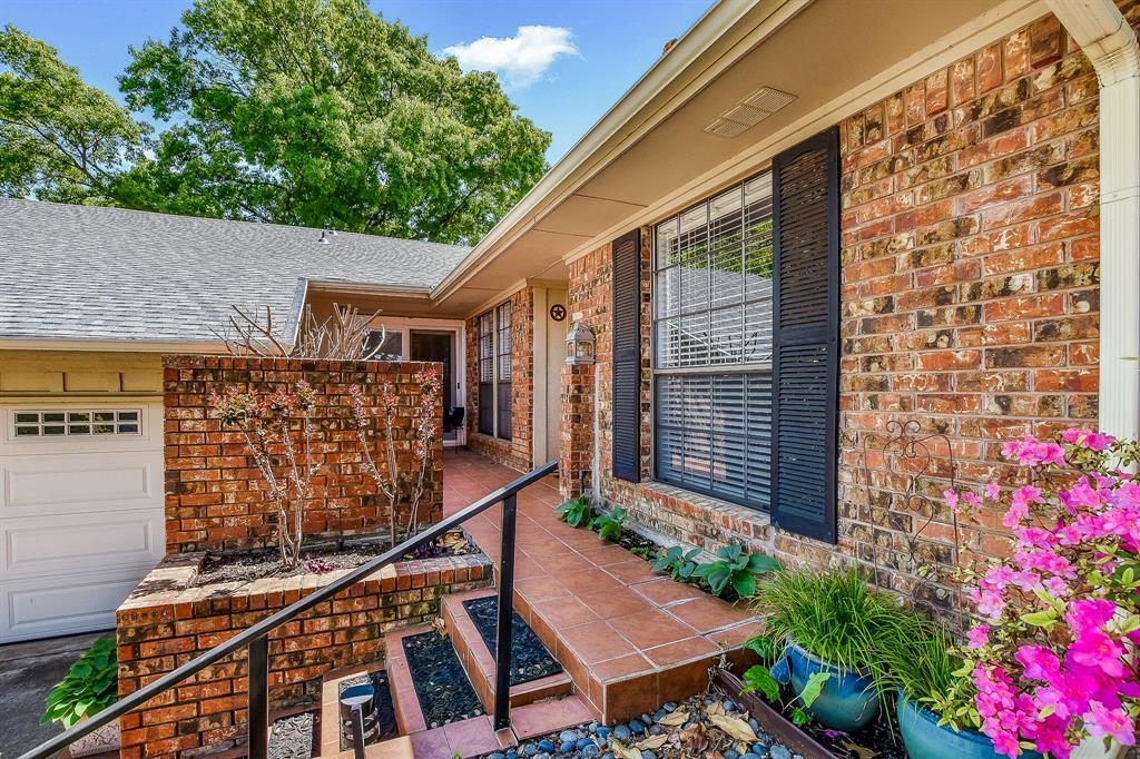 2820 Prescott  Drive, Carrollton, Texas 75006 - acquisto real estate best real estate company in frisco texas real estate showings