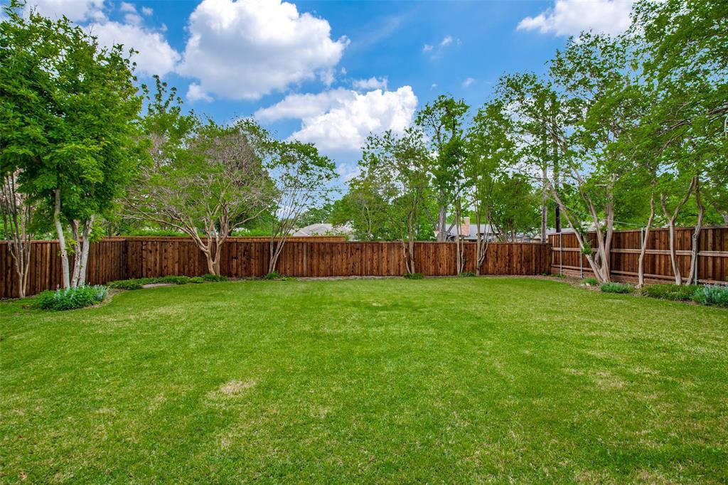 6240 Saratoga  Circle, Dallas, Texas 75214 - acquisto real estate best photos for luxury listings amy gasperini quick sale real estate