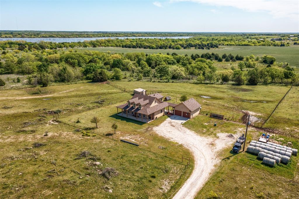 252 Emberson Ranch  Road, Pilot Point, Texas 76258 - acquisto real estate mvp award real estate logan lawrence