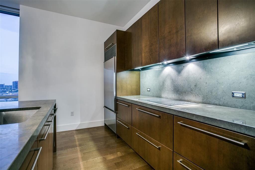 2200 Victory  Avenue, Dallas, Texas 75219 - acquisto real estate best celina realtor logan lawrence best dressed realtor