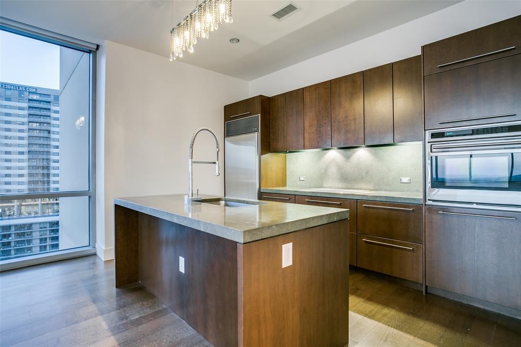 2200 Victory  Avenue, Dallas, Texas 75219 - acquisto real estate best highland park realtor amy gasperini fast real estate service
