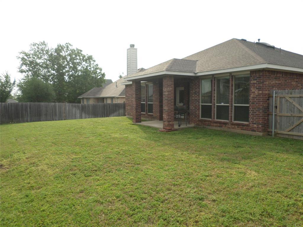 16 Spring Garden  Drive, Edgecliff Village, Texas 76134 - acquisto real estate best investor home specialist mike shepherd relocation expert