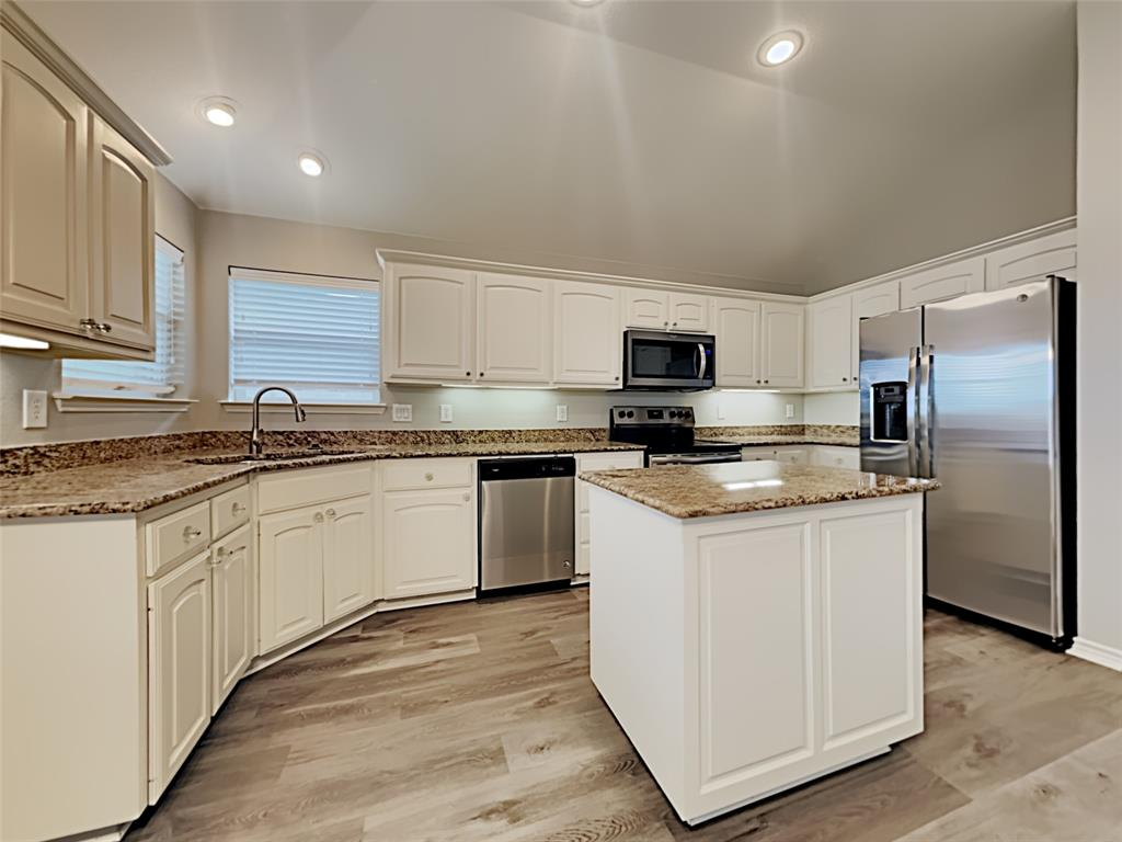 648 Clearbrook  Street, Azle, Texas 76020 - acquisto real estate best the colony realtor linda miller the bridges real estate