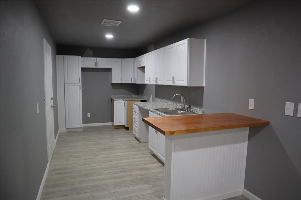 308 NE Craig St  Burleson, Texas 76028 - acquisto real estate best highland park realtor amy gasperini fast real estate service