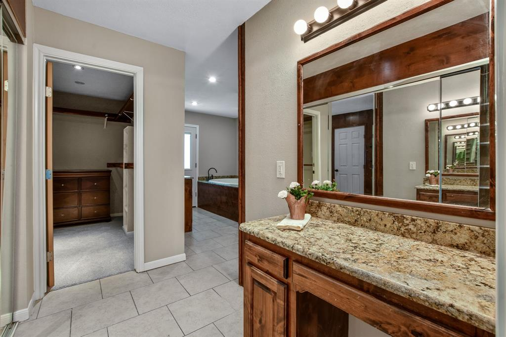 1401 Lincoln  Drive, Carrollton, Texas 75006 - acquisto real estate best style realtor kim miller best real estate reviews dfw