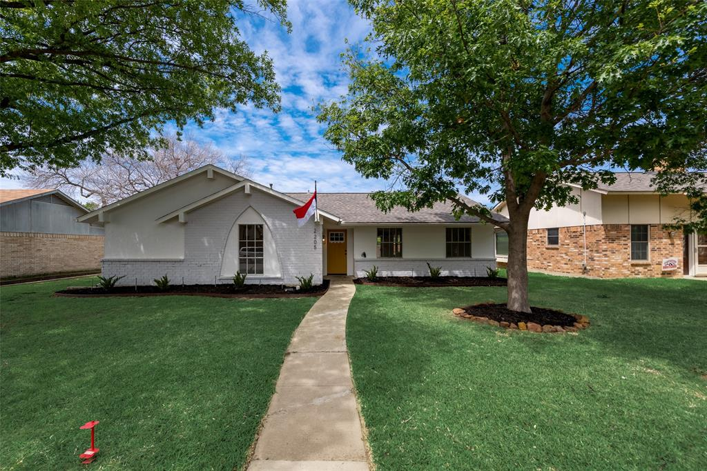2205 Greenvalley  Drive, Carrollton, Texas 75007 - acquisto real estate best plano real estate agent mike shepherd