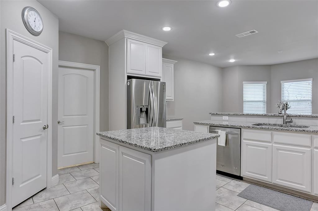 3401 Preston Club  Drive, Sherman, Texas 75092 - acquisto real estate best listing agent in the nation shana acquisto estate realtor
