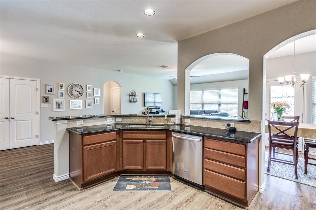 2924 Greenway  Drive, Burleson, Texas 76028 - acquisto real estate best highland park realtor amy gasperini fast real estate service