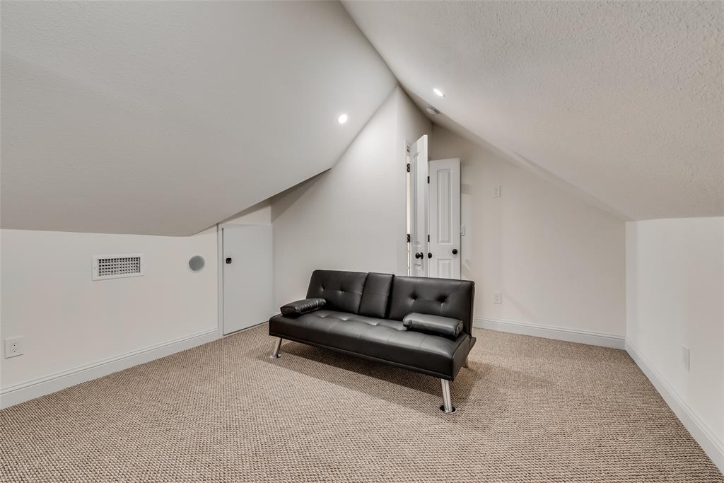 303 S. Walker  Street, Dallas, Texas 75149 - acquisto real estate best style realtor kim miller best real estate reviews dfw