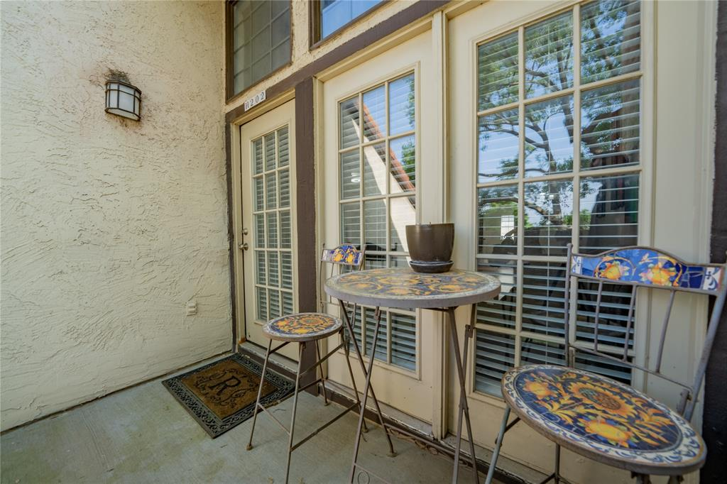 5590 Spring Valley  Road, Dallas, Texas 75254 - acquisto real estate best realtor foreclosure real estate mike shepeherd walnut grove realtor